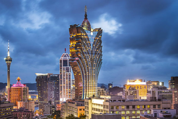Macau: more operators confirm share price decline