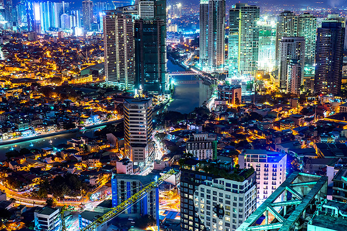 Okada Manila is to cut more than 1,000 jobs.