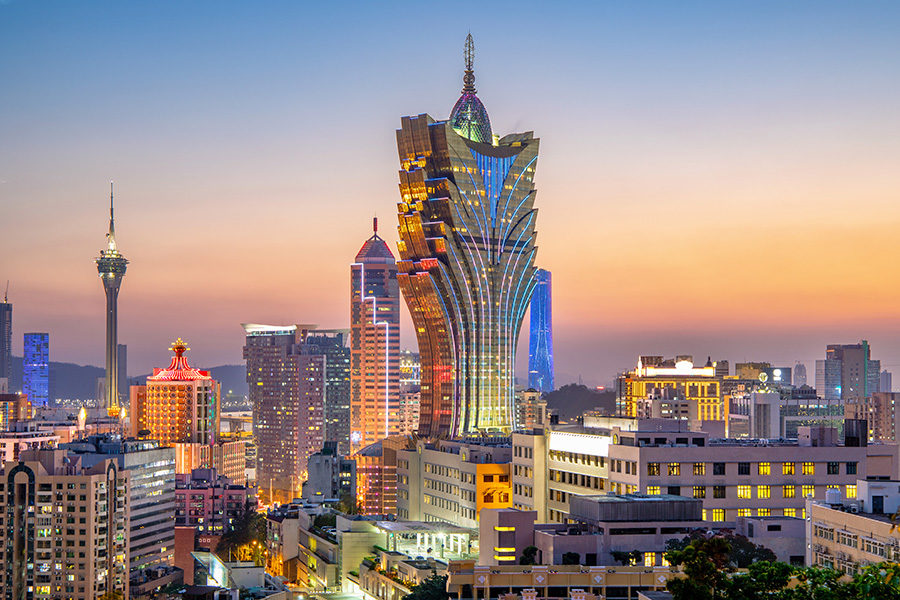 Macau casinos have mantained social distancing measures since February 2020.