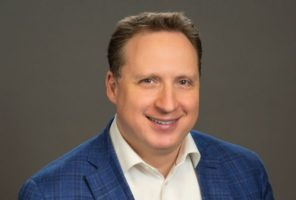 BMM promueve a Gene Chayevsky como presidente y director financiero