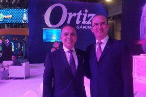 Alejandro Ortiz (derecha) junto a Helio Bueno.