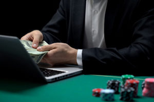 Las autoridades bolivianas clausuraron un casino clandestino en La Paz.