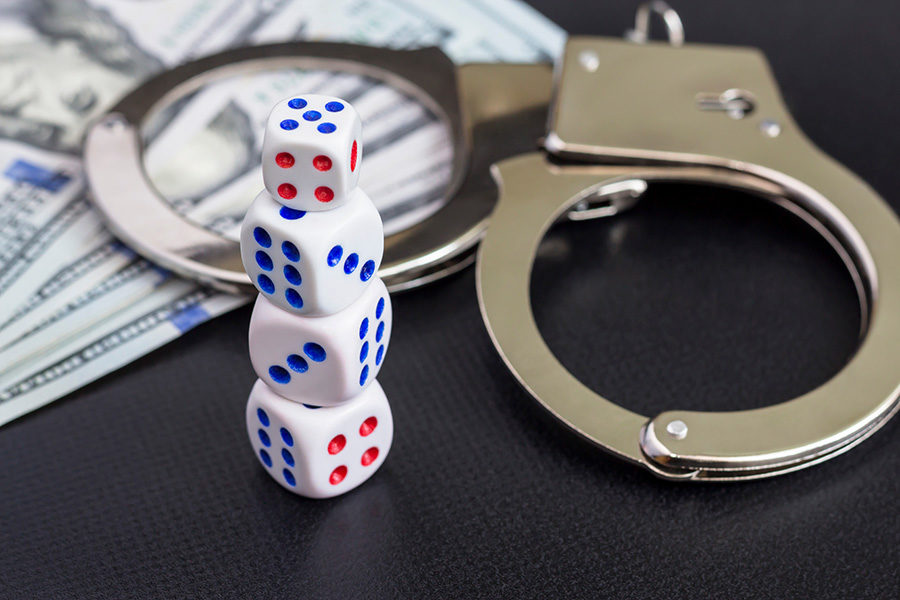 Desbaratan un casino clandestino en Alicante, España.