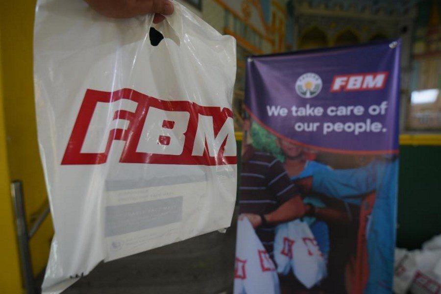 FBM donó 5.000 kits a los conductores de yipnis en Filipinas.
