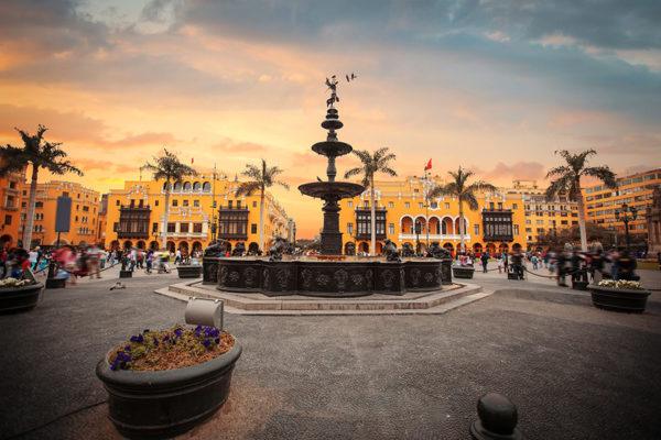 Casinos en Perú reducen el aforo por el coronavirus