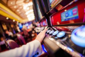 El casino Monticello reabre con restricciones