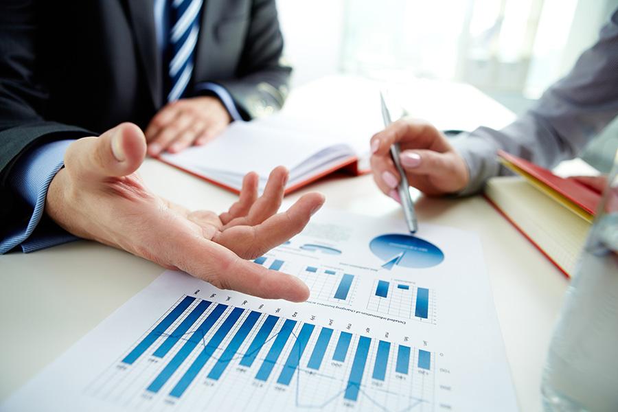 La nueva reforma fiscal será implementada antes de fin de año.