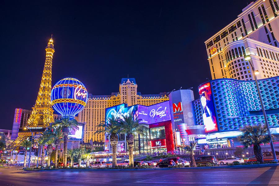 Los casinos en Las Vegas continúan operando a solo el 50 por ciento de su capacidad.