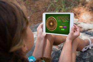 Los jóvenes se inician en el juego online a los 14 años, según un estudio