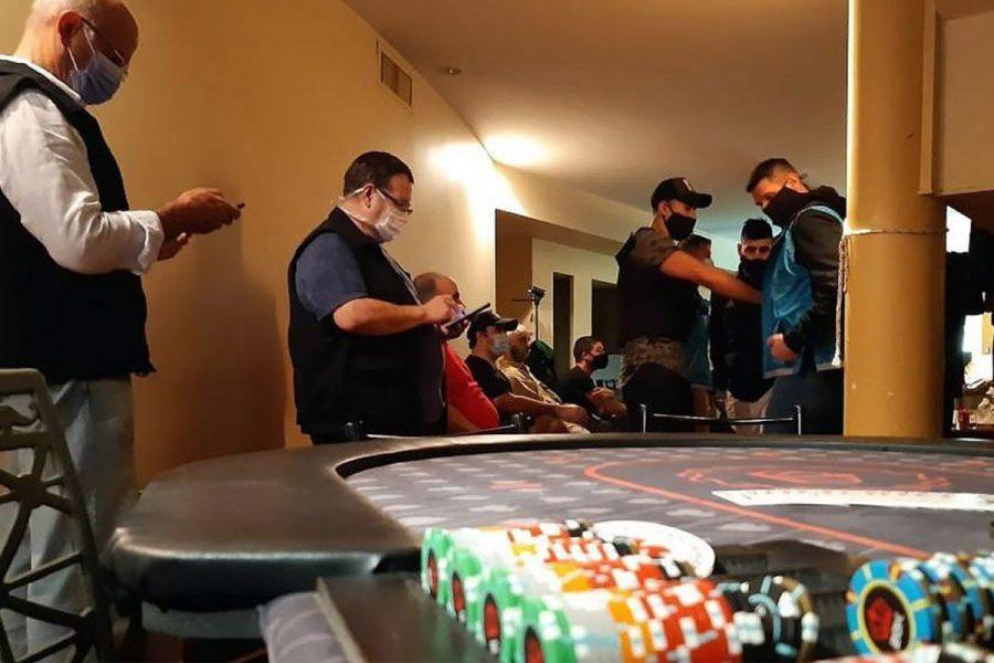 Clausuran un restaurante donde funcionaba un casino ilegal.
