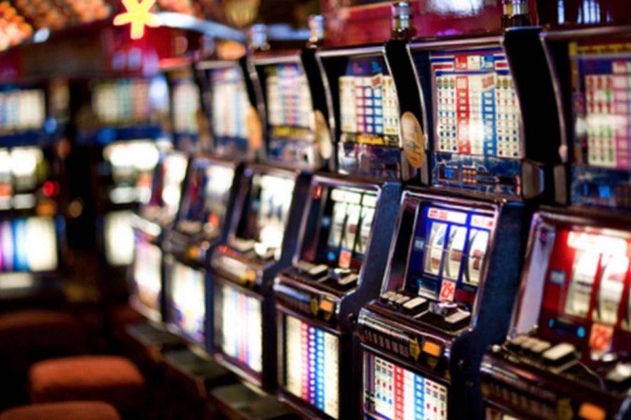 La policía desbarató una banda criminal que estafaba casinos y se llevaba cuantiosas sumas de las máquinas tragamonedas.