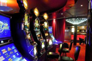 Los operadores del centro comercial Plaza Maule denuncian una gran deuda por el local que ocupa el Casino de Talca.