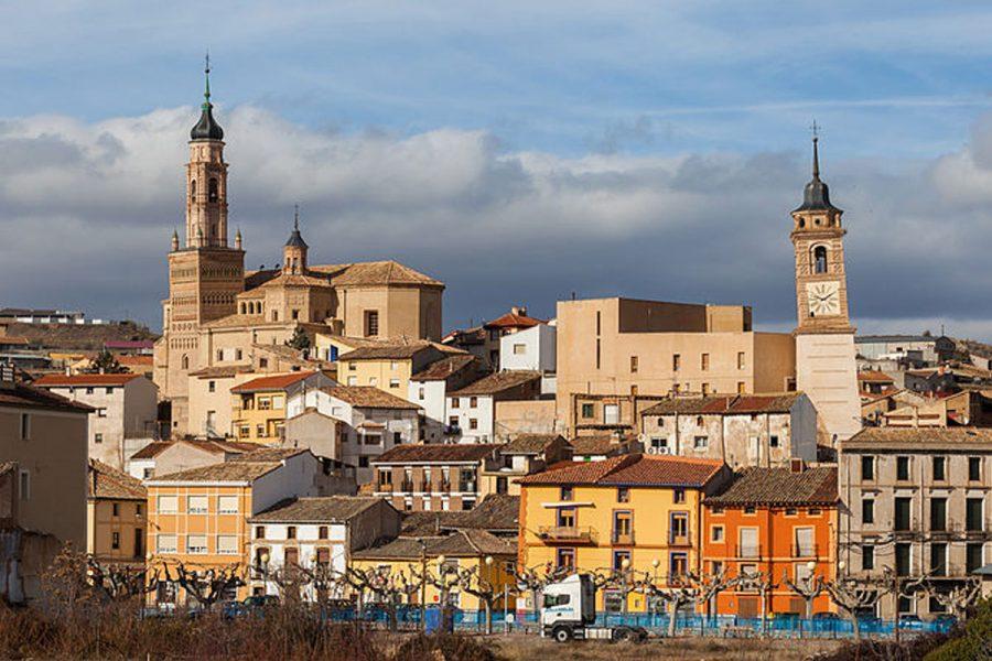 Las casas de apuestas en Zaragoza deberán instalarse a más de 300 metros de los centros educativos, según el nuevo Plan de Ordenamiento Urbano.