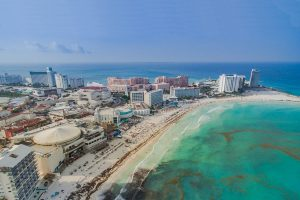 El turismo funcionará con ciertos límites en Cancún.