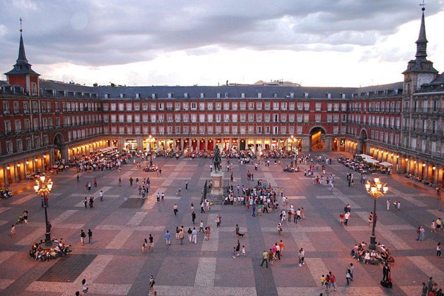 La Consejería de Justicia aportó los datos de establecimientos de juego por municipios, así como su desglose por distritos dentro de la capital de España.