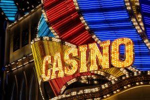 El regulador de Nevada suaviza las normas de Covid-19 para los casinos