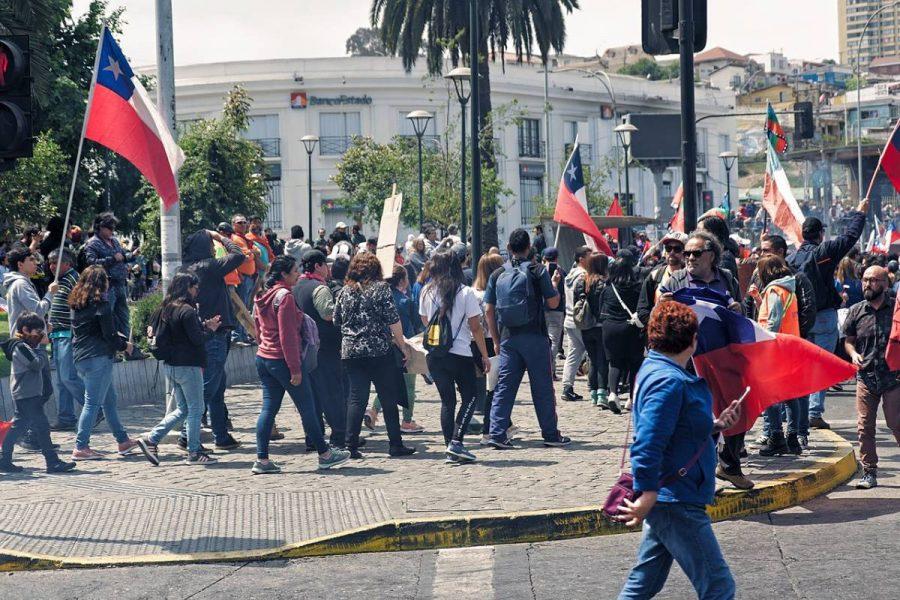 Los trabajadores de casinos en Chile comenzaron a movilizarse en distintos puntos del país para reclamar por la reapertura.