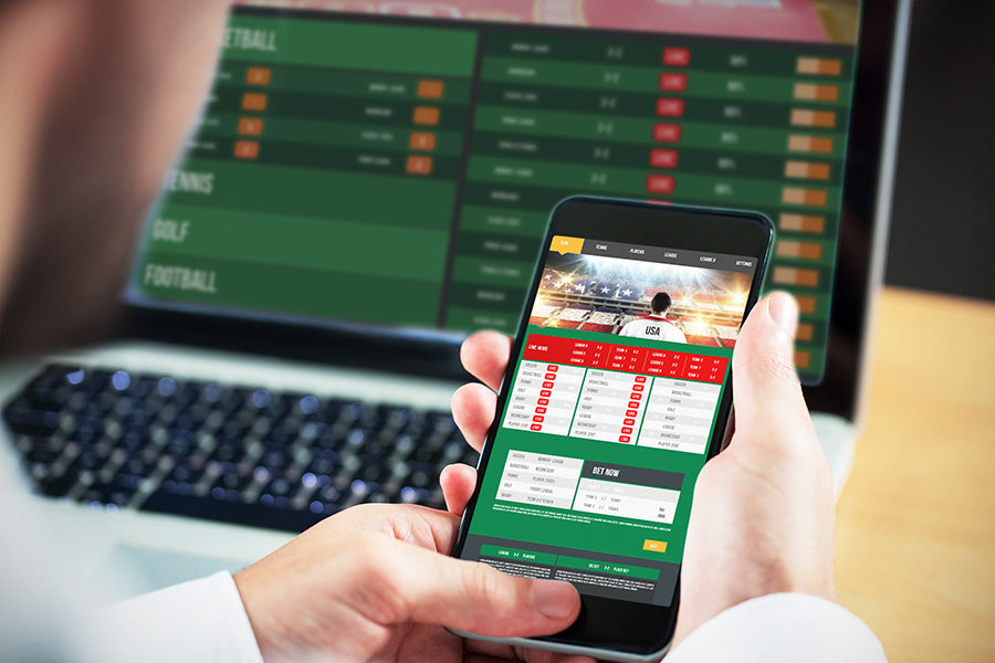 New York is to regulate mobile sports betting this year.