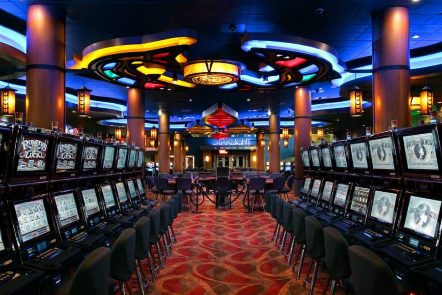 The casino would have 1,000 slot machines and 50 table games.